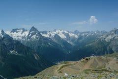 El canto principal de la montaña del Cáucaso foto de archivo