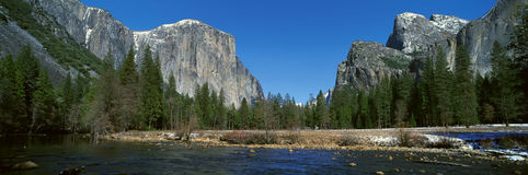 El Capitan山和Merced河, 免版税库存照片
