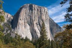 El Capitan, en vagga i den Yosemite nationalparken Arkivfoton