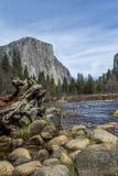 El Capitan od Merced rzeki fotografia stock