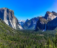 El Capitan p? den Yosemite nationalparken arkivfoto