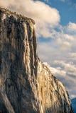 El Capitan vaggar i den Yosemite nationalparken Royaltyfri Bild
