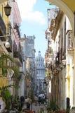 El Capitolio和街道场面哈瓦那古巴 库存照片