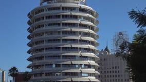 El capitolio icónico registra el edificio en la opinión de la inclinación-para arriba de Hollywood