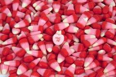 El caramelo de la tarjeta del día de San Valentín Foto de archivo libre de regalías