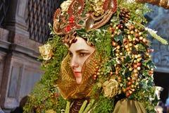 El carnaval de Venecia, retrato de una máscara, durante el carnaval veneciano en la ciudad entera allí es máscaras maravillosas fotografía de archivo