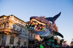 El carnaval de Viareggio, edición 2019 imagenes de archivo