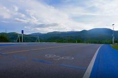 El carril de bicicleta, comparte el camino Imágenes de archivo libres de regalías