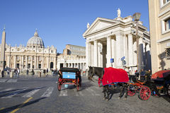 El carro del caballo en el santo Peters Square en Roma Fotos de archivo libres de regalías