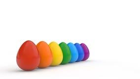 El cartel feliz de pascua, arco iris coloreó los huevos realistas, fondo blanco, tarjeta del día de fiesta, Fotos de archivo libres de regalías