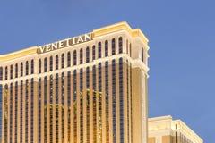 El casino veneciano del hotel turístico en la tira de Las Vegas Foto de archivo