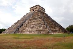 El Castillo Chichen Itza, майяской пирамиды в Юкатане, Мексики Стоковые Изображения RF