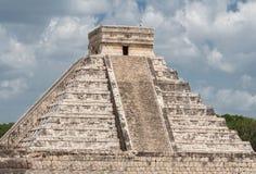 El Castillo Chichen Itza Мексика Стоковое Изображение