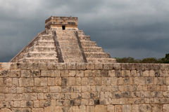 El Castillo of Chichen Itza, mayan pyramid in Yucatan, Mexico Stock Photography