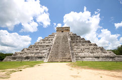EL Castillo - Chichen Itza - Messico Fotografia Stock Libera da Diritti