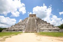 El Castillo - Chichen Itza - Mexico Royaltyfri Fotografi