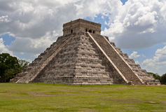 El Castillo Chichen Itza Mexico. The imposing geometric El Castillo pyramid devoted to Kukulcan god with its stairs in the archaeological site of Chichen Itza Stock Photography