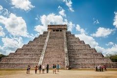 El Castillo - Chichen Itza, Mexico Royaltyfria Foton