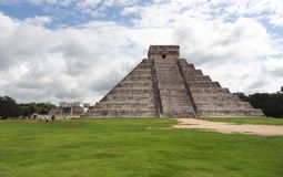 El Castillo in Chichen Itza Royalty Free Stock Photo