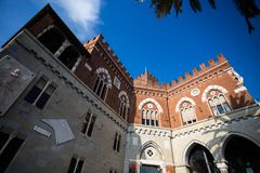 El castillo de Albertis, castillo del siglo XIX en Génova, Italia, perteneció al ` Albertis de capitán de mar Enrico Alberto d imagen de archivo libre de regalías