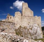 El castillo de Beckov imagen de archivo