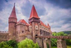 El castillo de Corvins, Rumania imagenes de archivo