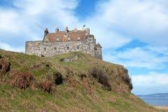 El castillo de Duart, isla de reflexiona sobre Foto de archivo