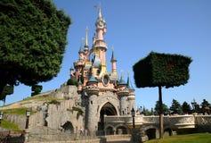 El castillo de hadas - Disneylandya París Imagen de archivo libre de regalías