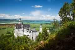 El castillo de Neuschwanstein es palacio cerca de Fussen en Baviera Foto de archivo