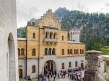 El castillo de Neuschwanstein es un palacio Románico del siglo XIX del renacimiento en Baviera, Alemania Fotos de archivo
