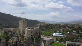 El castillo de Rabati es una fortaleza en Akhaltsikhe, Georgia almacen de metraje de vídeo