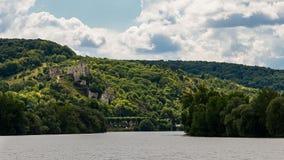 El castillo de Richard Coeur de Lion que pasa por alto aux. del Sena Imagenes de archivo