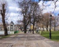 El castillo de Vajdahunyad es un castillo en el parque de la ciudad de Budapest, Hungr?a imágenes de archivo libres de regalías