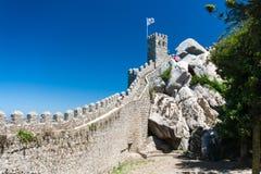 El castillo del amarra en Sintra, Portugal Foto de archivo libre de regalías