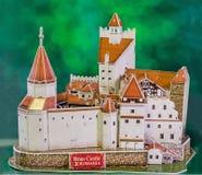 El castillo del salvado de Transilvania (Transilvania) como el nuevo rompecabezas 3D El castillo de Lord Dracula (Vlad Tepes) Fotos de archivo libres de regalías