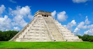 El Castillo der Kukulkan-Tempel von Chichen Itza, Mayapyramide in Yucatan, Mexiko keine Leute Stockfoto