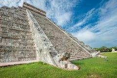 El Castillo eller tempel av den Kukulkan pyramiden, Chichen Itza, Yucatan Arkivfoto