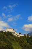 El castillo en la montaña Fotografía de archivo libre de regalías