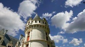 El castillo francés Azay-le-Rideau fue construido a partir de 1515 a 1527, el Loira, Francia metrajes
