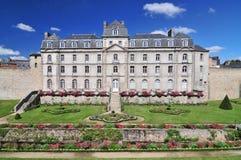 El castillo francés de l 'Hermine es un fuerte viejo construido en el castillo desapareció las paredes de la ciudad de Vannes, Fr fotos de archivo libres de regalías