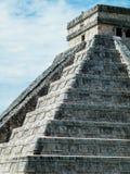 El Castillo (Kukulcan eller slotten) Royaltyfria Bilder