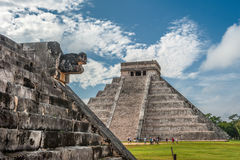 El Castillo или висок пирамиды Kukulkan, Chichen Itza, Юкатана Стоковая Фотография