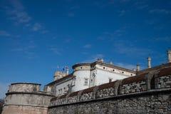 El castillo originó de un edificio fortificado que fue erigido fotografía de archivo