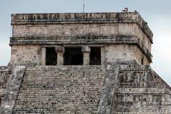 El Castillo pyramid i Chichen Itza Fotografering för Bildbyråer