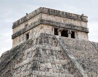 El Castillo pyramid i Chichen Itza Arkivbilder
