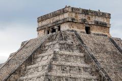 El Castillo pyramid i Chichen Itza Royaltyfri Bild