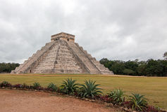 El Castillo Temple Kukulcan Pyramid at Mexico's Chichen Itza Mayan ruins Royalty Free Stock Images