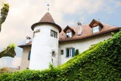 El castillo tiene gusto de la mansión vieja Imagen de archivo libre de regalías