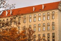 El castillo viejo de Plumlov builded en estilo barroco de la arquitectura en la ciudad de Plumlov, Moravia, República Checa imagenes de archivo