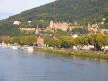 El castillo viejo en ladrillos rojos en una colina en Heidelberg foto de archivo libre de regalías